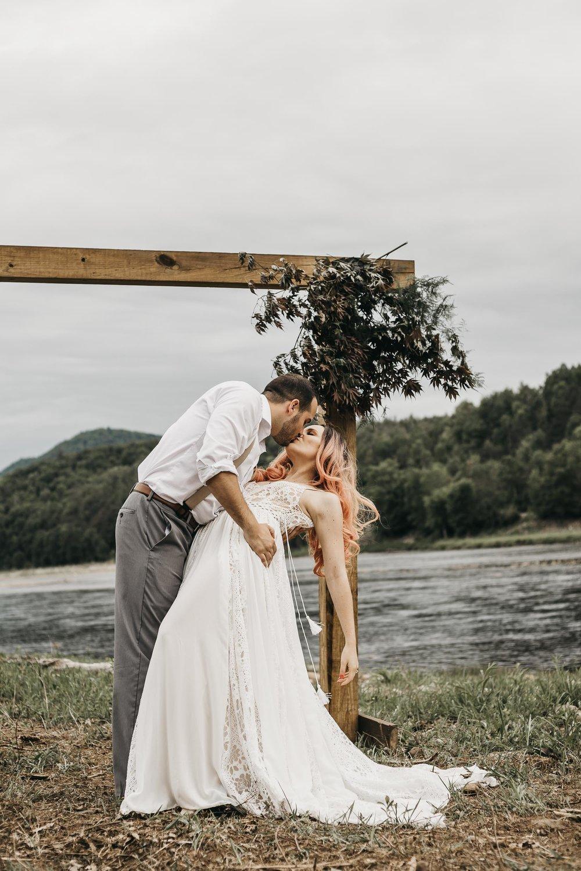 ottawa-elopement-wedding-photographer-0373.jpg