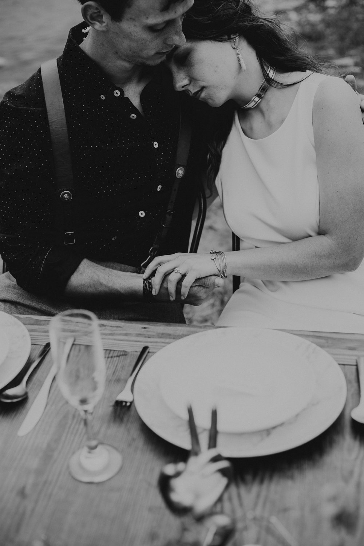 ottawa-elopement-wedding-photographer-0534.jpg