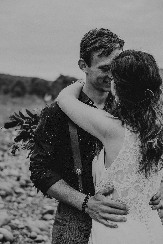 ottawa-elopement-wedding-photographer-0737.jpg