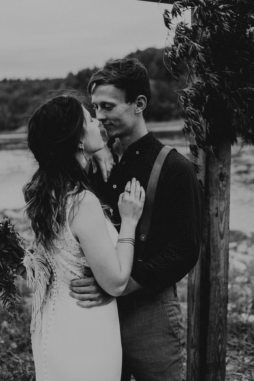 ottawa-elopement-wedding-photographer-0804.jpg