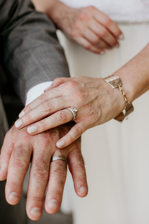 elopement-engagement-photographer-ottawa-4715.jpg
