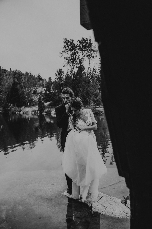 intimate-wedding-elopement-photographer-ottawa-toronto-0378.jpg