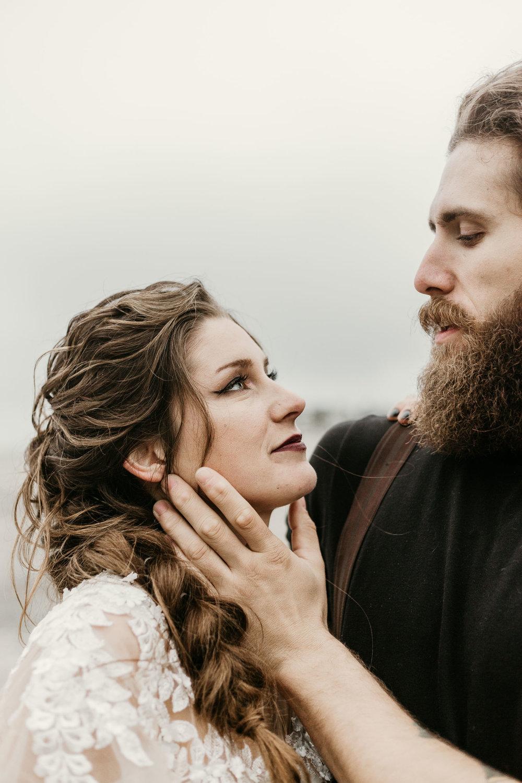 intimate-wedding-elopement-photographer-ottawa-toronto-1100.jpg