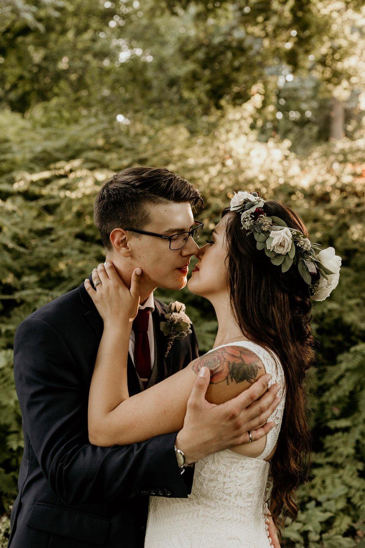 intimate-wedding-elopement-photographer-ottawa-toronto-8063.jpg