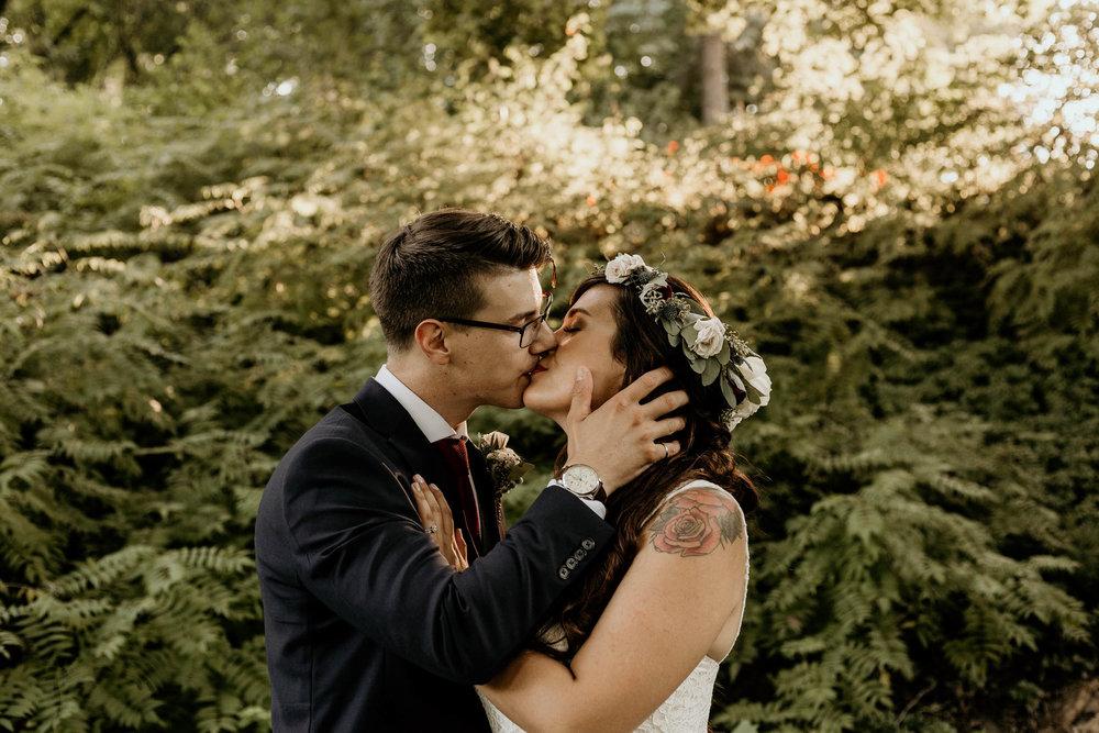intimate-wedding-elopement-photographer-ottawa-toronto-8111.jpg