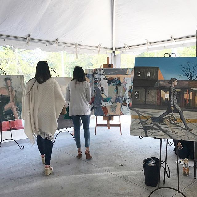 The Arts are Alive!!! 🙌🎨👊 Repost @musecofineart ・・・ Lots to see and experience at downtown Roswell's new East Alley. Don't miss Donna Hughes painting tonight. 🔴 @roswellartdistrict
