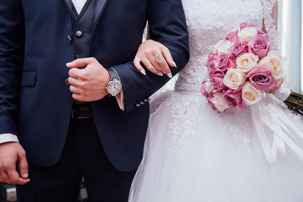 Knoop 'en groupe' een wedding backdrop!