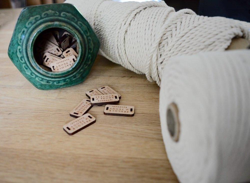 We verkopen niet alleen kant en klare producten maar ook de benodigde materialen zoals dit mooie katoenkoord!