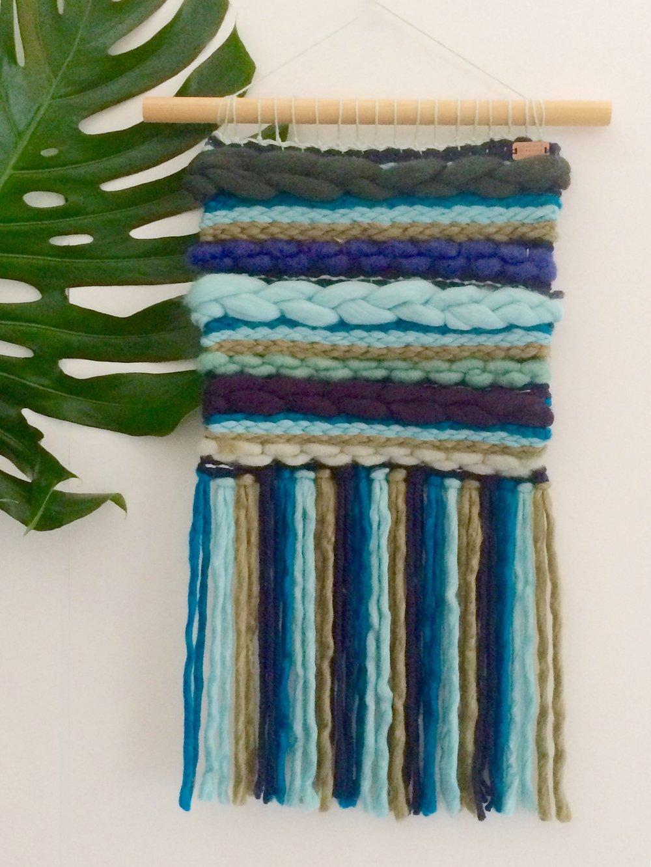 Naast macrame, maken we ook deze gewoven hangers - in alle kleuren en maten mogelijk!