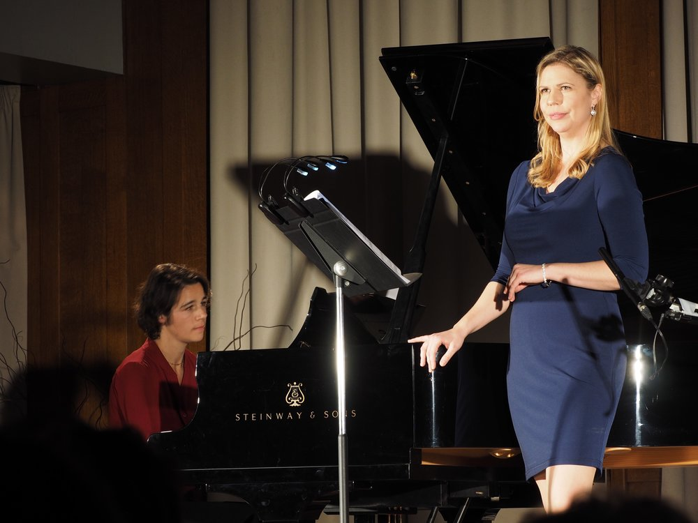 Inspirations Françaises,  Fondation des États-Unis, Paris, France. Jennifer Lindshield, soprano, Elise Kermanac'h, piano. Photo credit: Christophe Delange