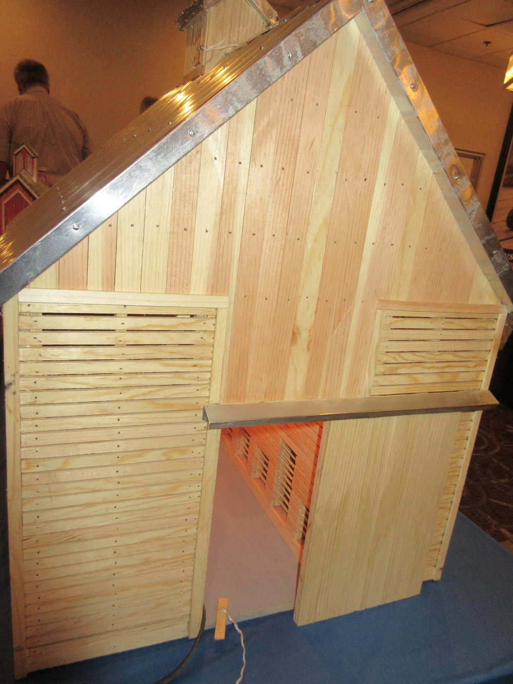 This hand-built corn crib sold at auction at the Gateway Mid-America Toy Show.