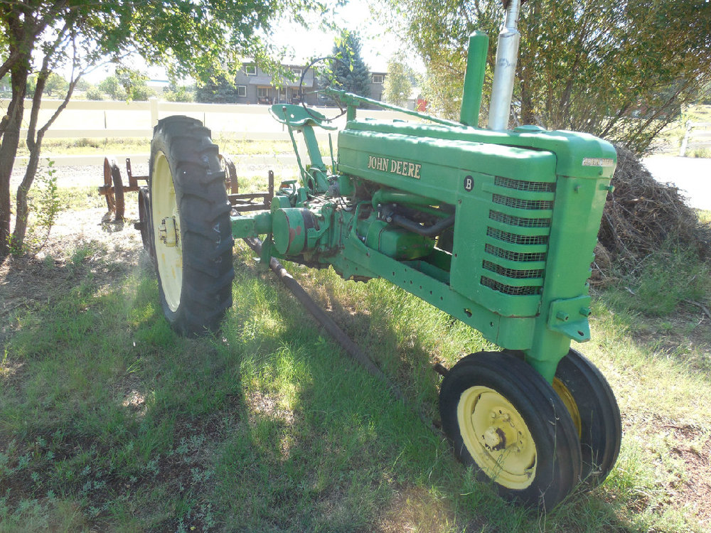 A nice John Deere B is among the tractors for sale in the Don Meakin collection.