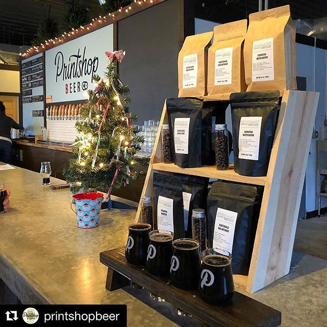 Fun evening at @printshopbeer ・・・ @epiphanycoffee is here for the release of our Baker Creek Brown Ale infusions! Come meet the roaster and the brewers! Buy a flight of all 4 infusions for the chance to win a sweet prize! #southknoxrocks #printshopbeerco #southknoxville #coffeebeer #knoxbeer #sundayfunday #uppersanddowners