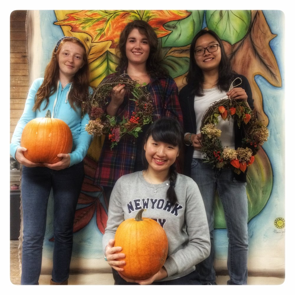 2016 Pumpkin Palooza Decorating Crew.jpg