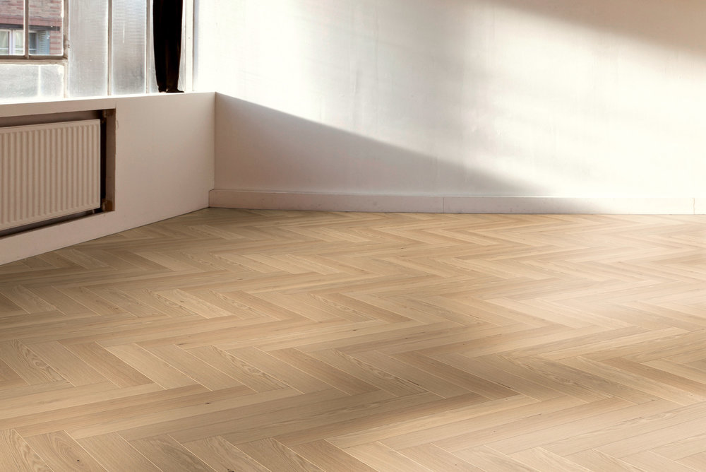 Hain XL herringbone: oak with brushed and 'raw look' finish