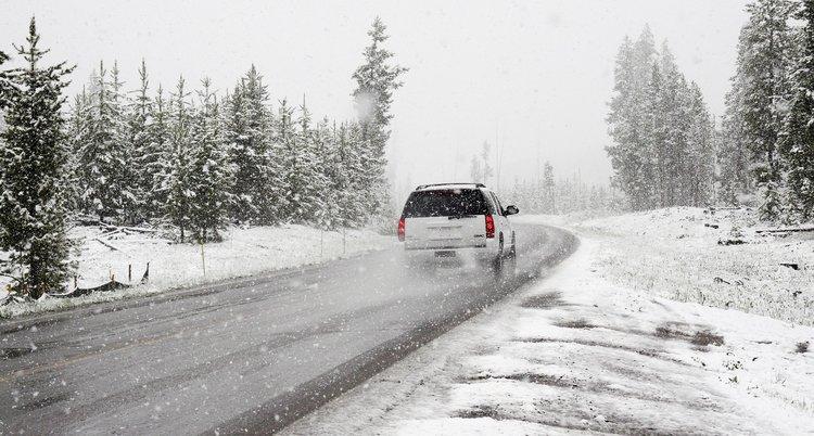 snow-1281636_1920 (1).jpg
