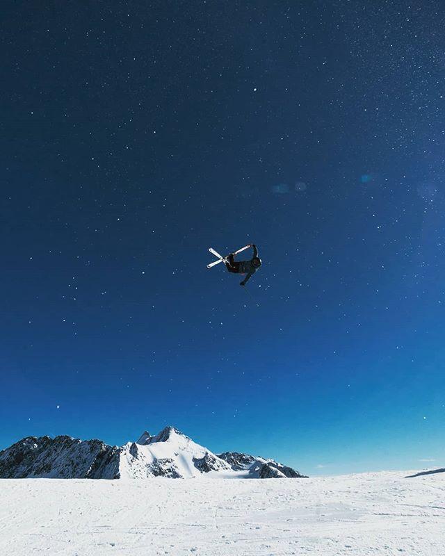 Heading into the weekend like... #skiing #alpineskiing #powder #bluebird #daydream