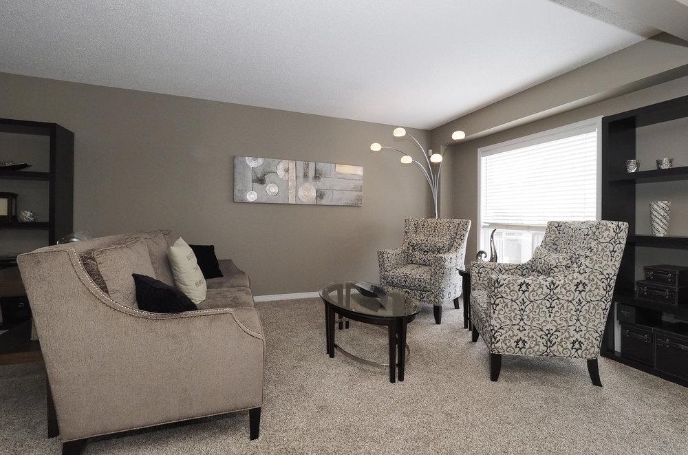 33 Living room.JPG