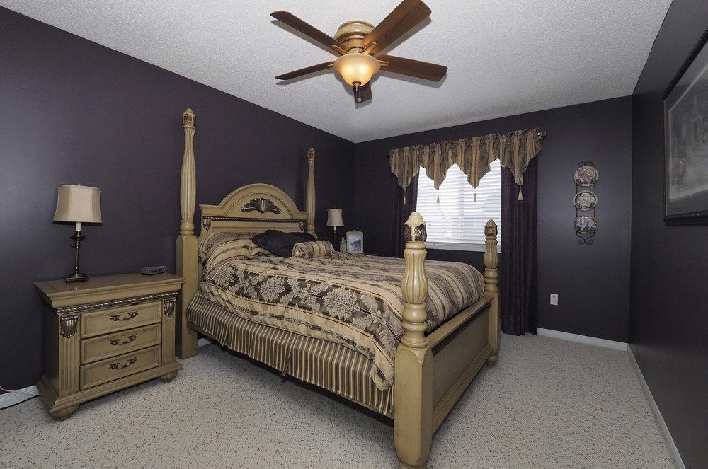65 Master bedroom.JPG