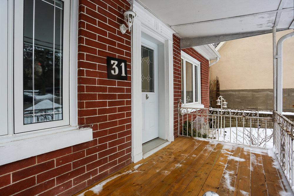 06 Front Entrance.jpg