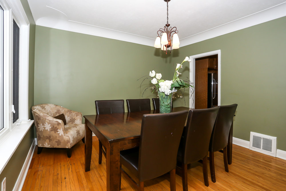 19 Dining Room.jpg