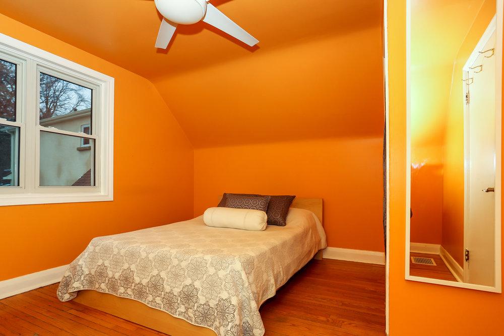 27 Master Bedroom.jpg