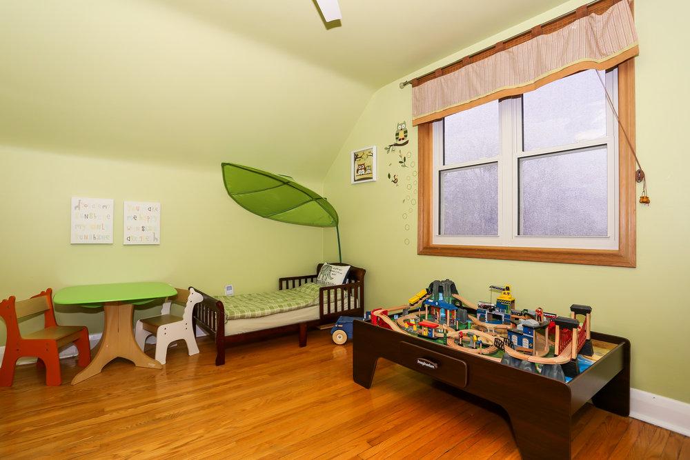 30 Bedroom 2.jpg