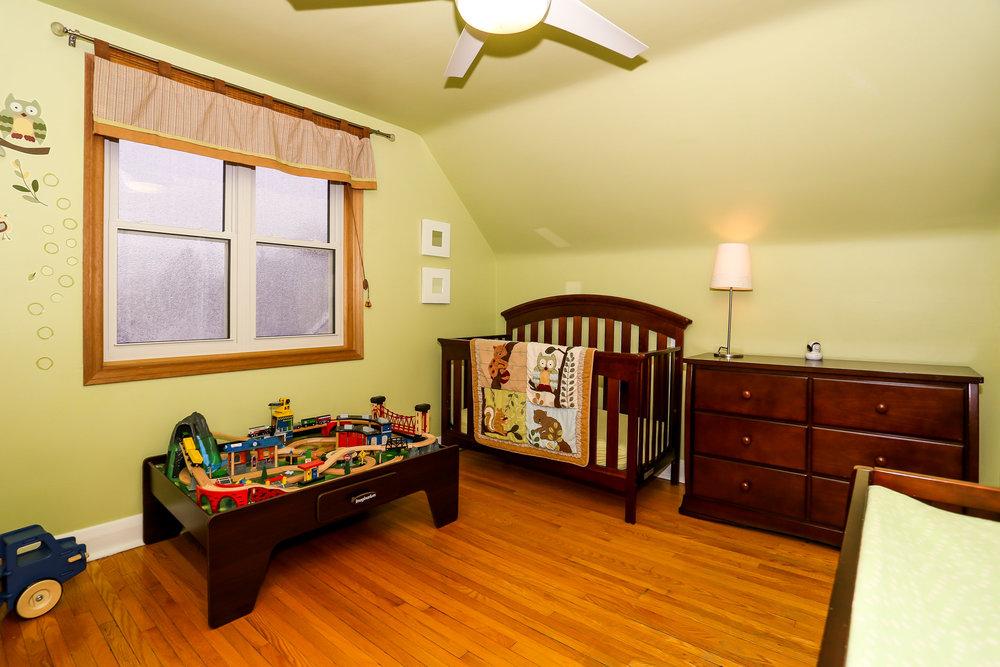 32 Bedroom 2.jpg