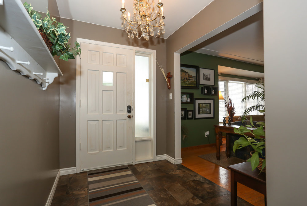 11 Foyer.jpg