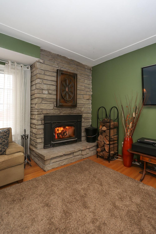 18 Living Room.jpg