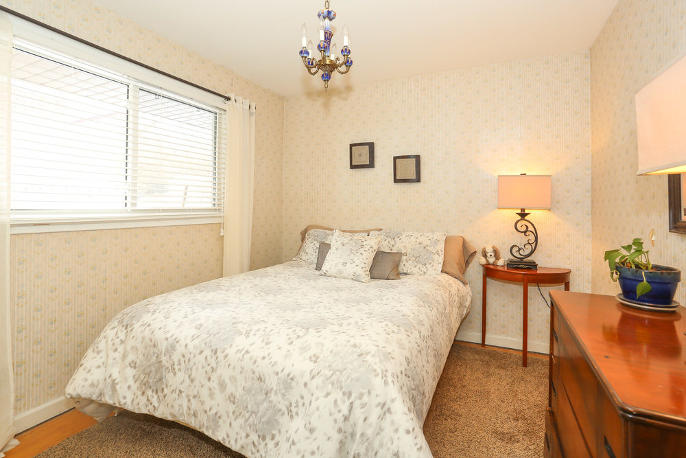 35 Bedroom 2.jpg