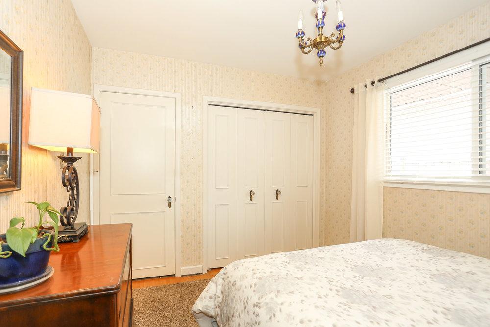 36 Bedroom 2.jpg