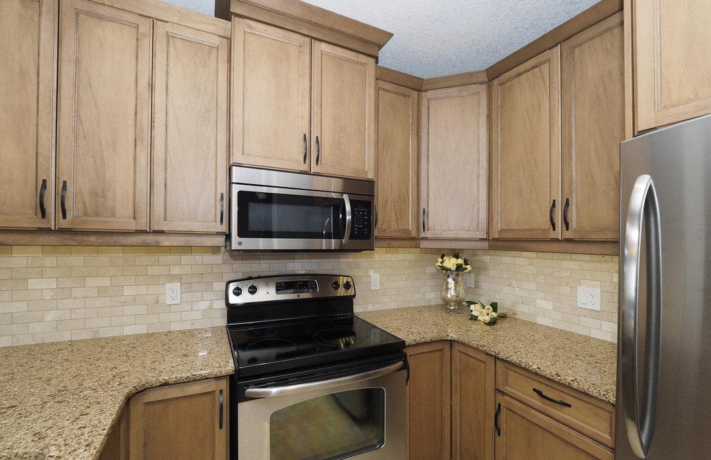 38 Kitchen.JPG