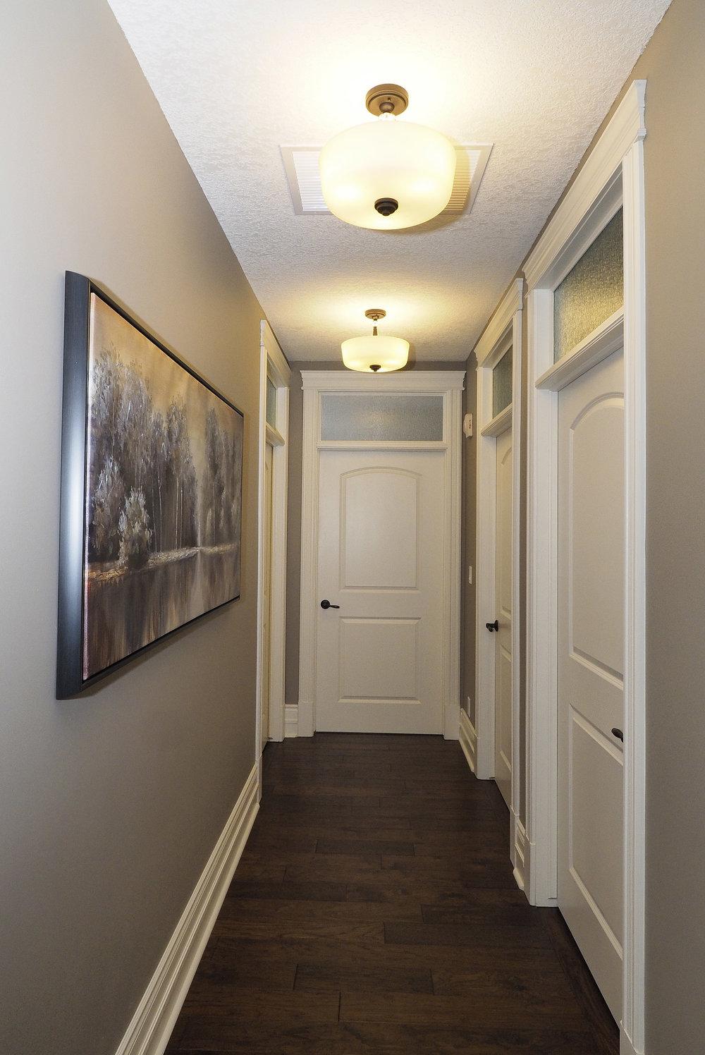 46 Hallway to bedrooms.JPG