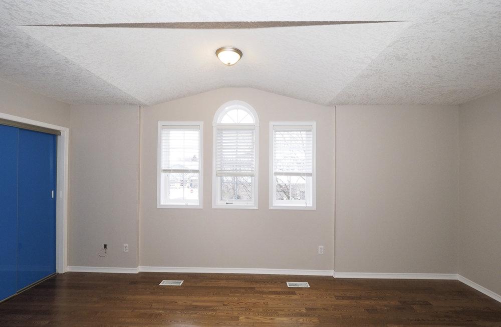 49 Master bedroom.JPG