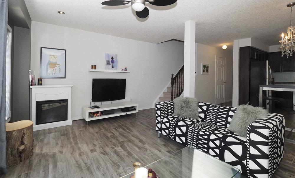 28 Living room.JPG