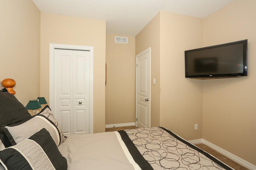 44 Bedroom 2.jpg