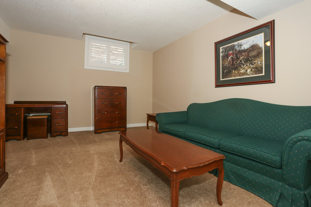 61 Spare Room.jpg