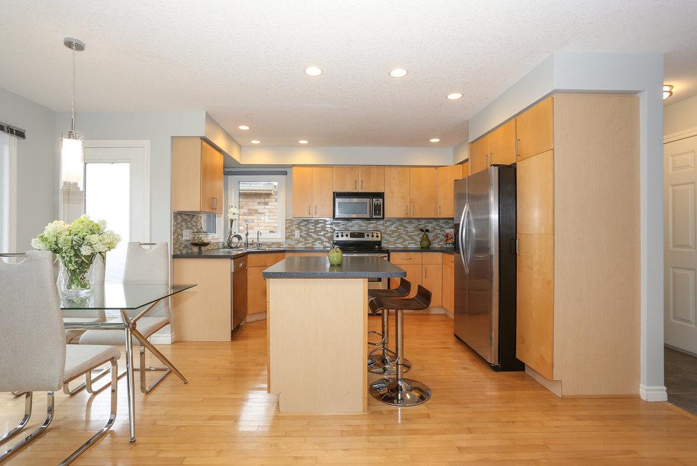 26 Kitchen.jpg