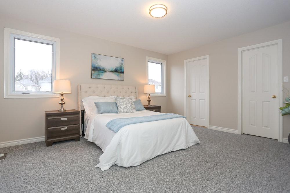 46 Master Bedroom.jpg