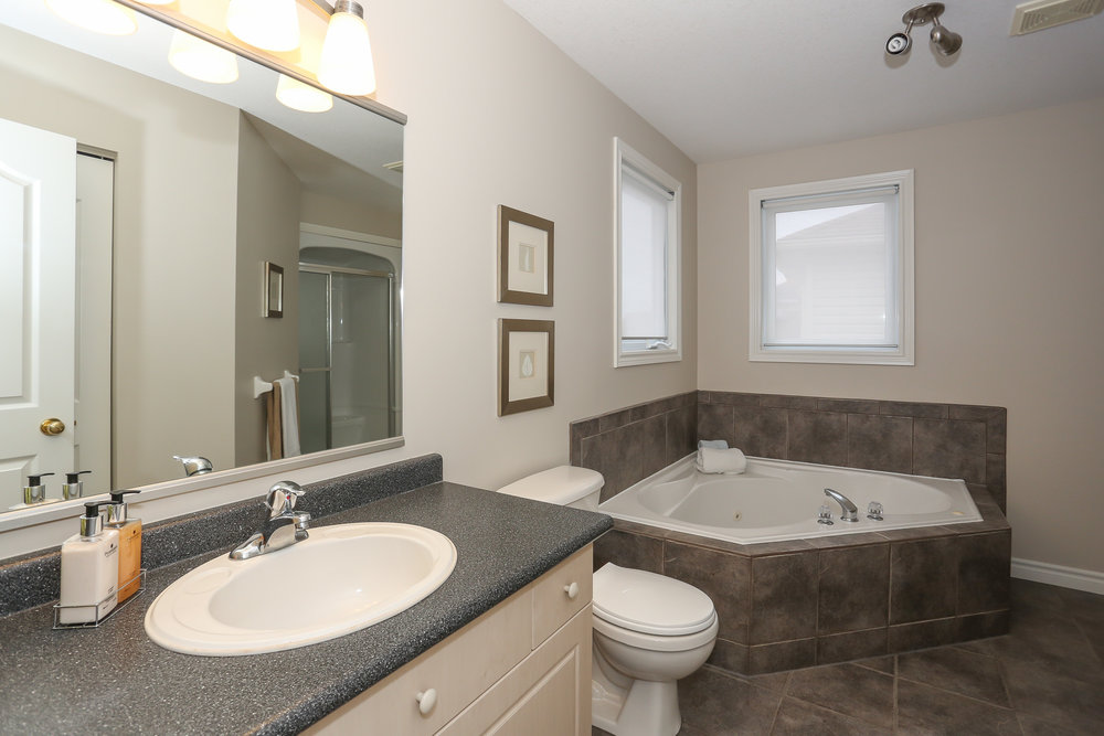 50 Master Bedroom Ensuite.jpg