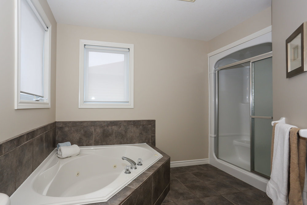 52 Master Bedroom Ensuite.jpg