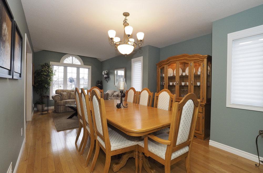 30 Dining room.JPG
