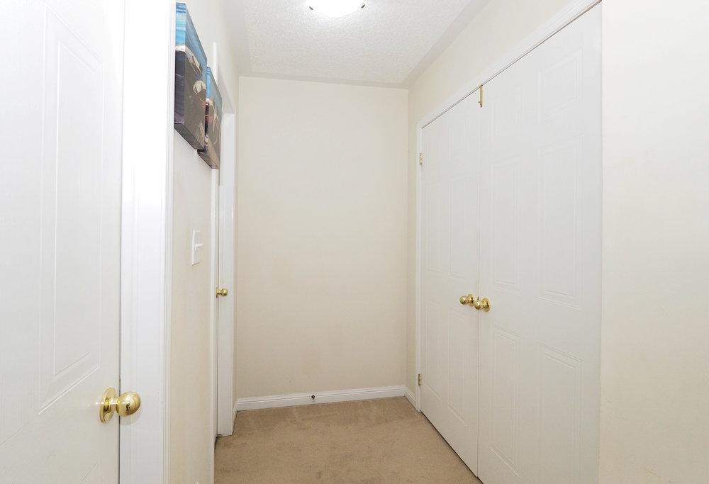 76 Master bedroom.JPG