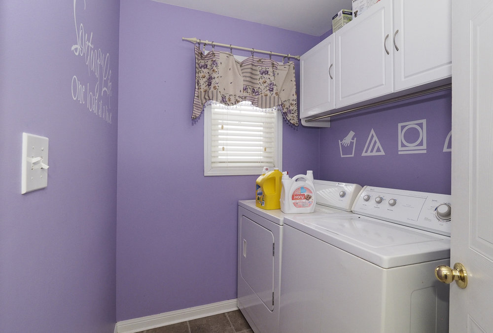 85 Upstairs Laundry room.JPG