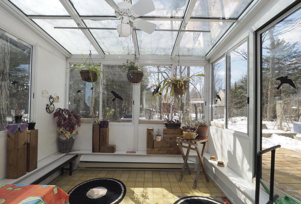 35 Sunroom.JPG