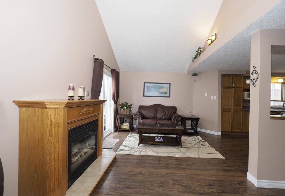 36 Living room.JPG