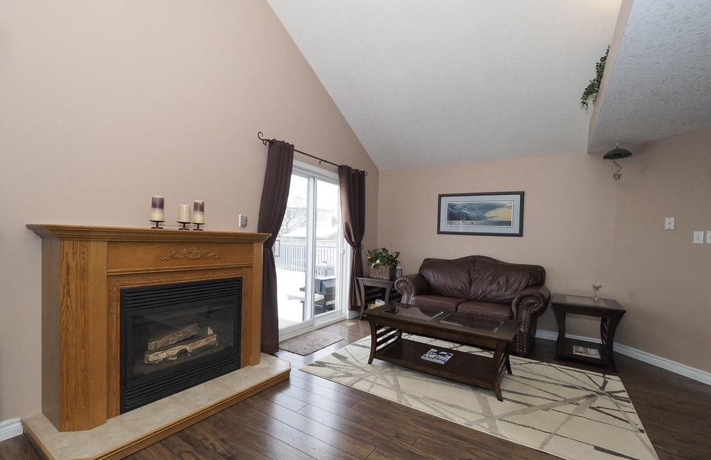 40 Living room.JPG