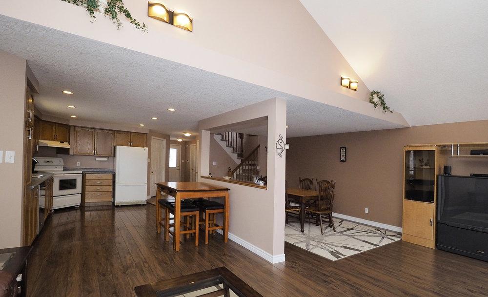 46 Living room.JPG