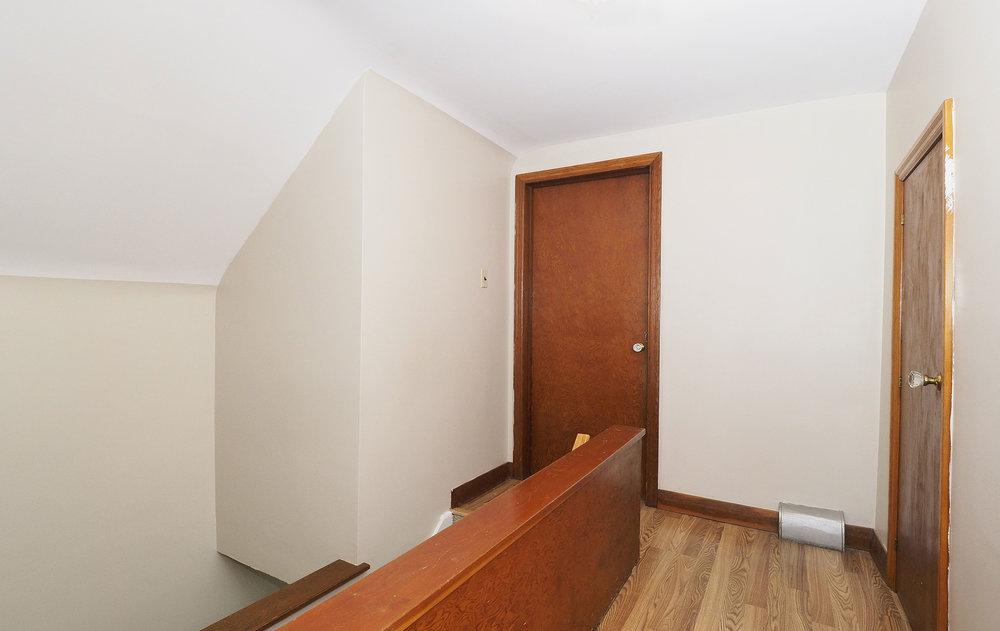 58 Upstairs halllway.JPG